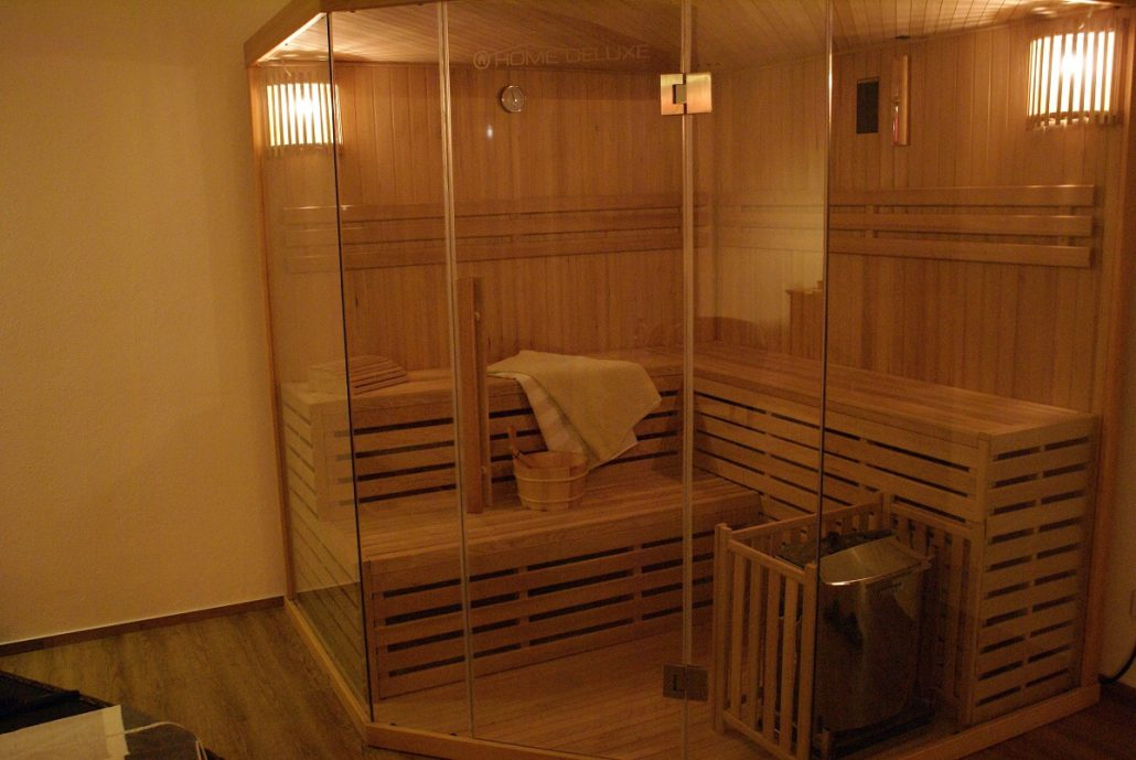 beautiful sauna in wohnung ideas. Black Bedroom Furniture Sets. Home Design Ideas